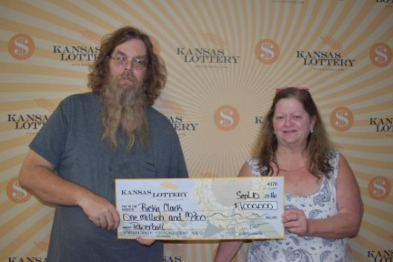 Couple from Wichita win $1000000 Powerball prize